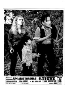 Caroline Kennedy, Leopoldo Salcedo and Robin Aristorenas in El Tigre