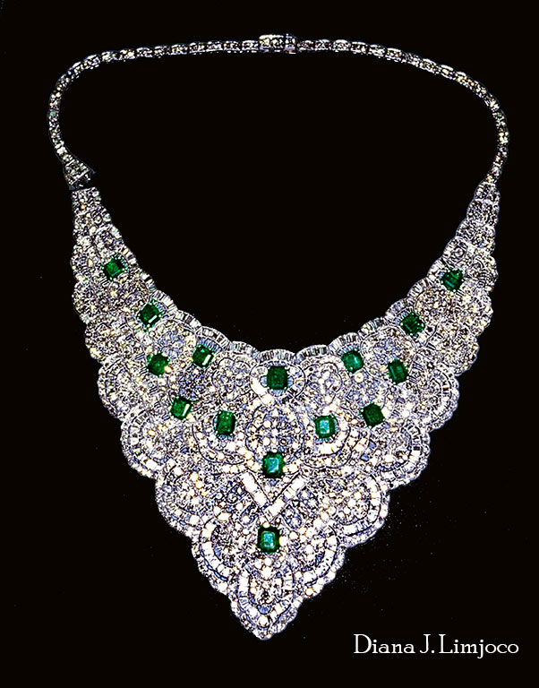 diamond_emerald_collar